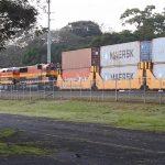 Hlavnou úlohou Transpanamskej železnice je od jej postavenia preprava tovarov medzi Pacifikom a Atlantikom.